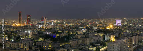 Stampa su Tela Panoramic view of Amman's new downtown at night