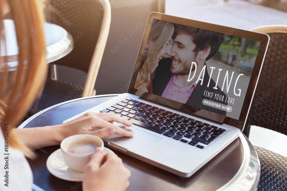 nájsť manžela online dating Zoznamka prsteň zakladateľov Lauren
