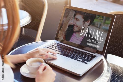 Cuadros en Lienzo  dating online, woman looking for boyfriend, find love on internet