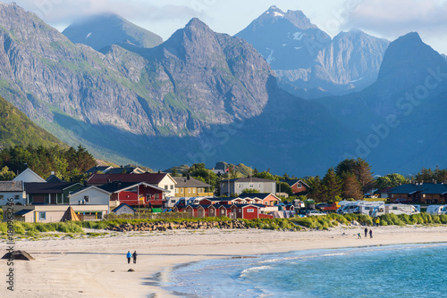 Foto auf Gartenposter Skandinavien Lofoten is an archipelago in the county of Nordland, Norway. Is known for a distinctive scenery with dramatic mountains and peaks, open sea and sheltered bays, beaches and untouched lands.