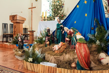 Live Christmas Nativity Scene Reenacted In A Medieval Barn - (the Baby Is A Doll)