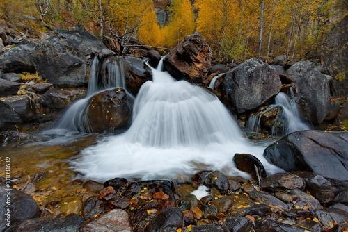 rosja-syberia-jesien-w-gorach-altaju