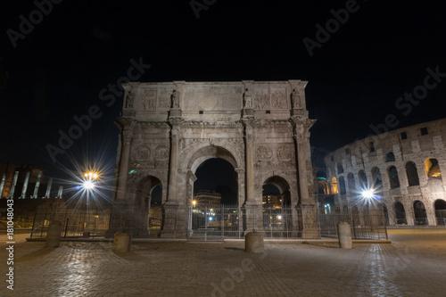 Fototapeta  Colosseum in Rome at night. Italy