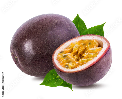 Poster Fruit Passion fruit isolated on the white background.