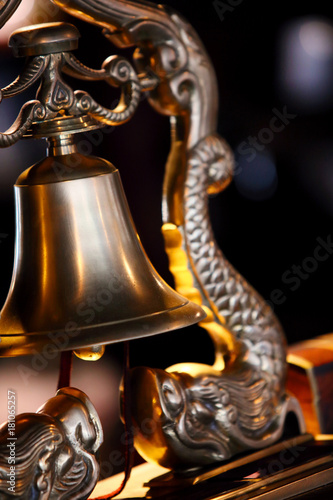 Foto op Plexiglas Japan old asian brass bell
