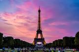 Fototapeta Fototapety z wieżą Eiffla - Eiffel Tower at sunset in Paris