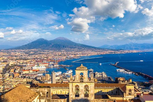 Montage in der Fensternische Neapel Napoli and mount Vesuvius in Italy