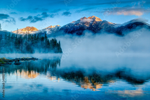 Fotografie, Obraz Foggy Sunrise at Pyramid Lake in Jasper, Alberta, Canada