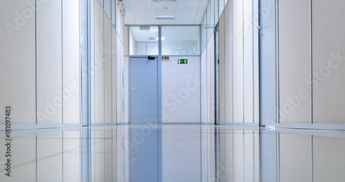 Staande foto Industrial geb. Empty office corridor