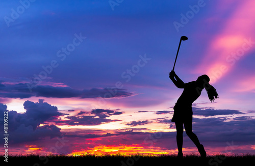 Tuinposter Golf silhouette golfer playing golf during beautiful sunset