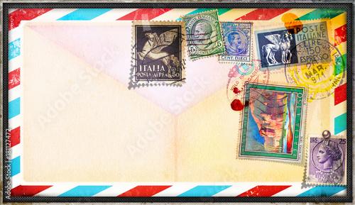 Poster Imagination Cartolina vintage di posta aerea con vecchi francobolli italiani