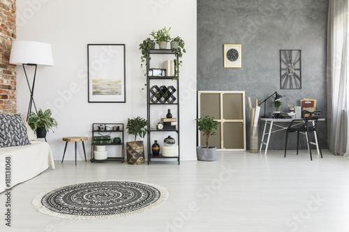 Staande foto Hoogte schaal Spacious living room with carpet