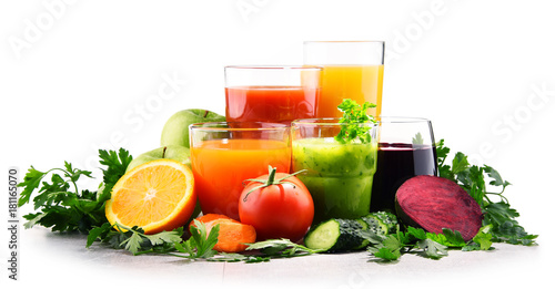 Foto op Canvas Sap Glasses with fresh organic vegetable and fruit juices