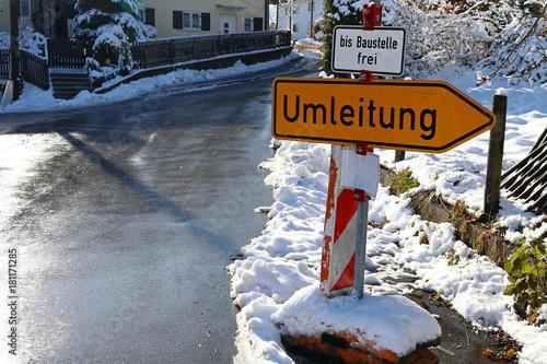 Fotografie, Obraz  Umleitungsschild - Frei bis Baustelle - Umleitung