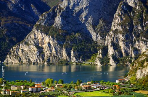 Cuadros en Lienzo Panorama of the Lake Garda - Riva del Garda, Italy, Europe