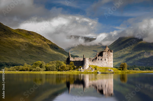 Papiers peints Chateau Kilchurn Castle sunrise