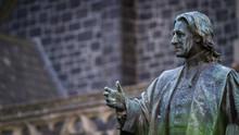 Statue Of John Wesley - Unitin...