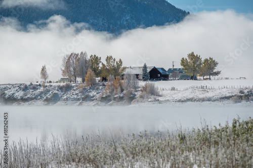Tuinposter Centraal-Amerika Landen Winter landscape with Wolford Mountain Reservoir