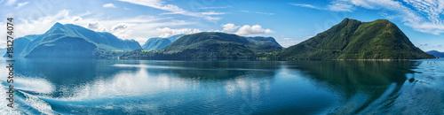 Foto auf AluDibond Blau Panorama norwegische Fjorde