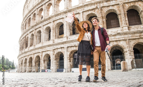 Fototapeta Couple at Colosseum, Rome obraz