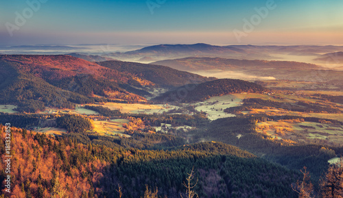 Foto auf Gartenposter Gebirge panorama of Beskidy mountains in the morning, Poland landscape