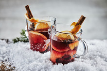 Traditional Hot Spicy Mulled G...