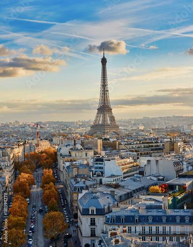 powietrzny-panoramiczny-pejzaz-miejski-widok-paryz-francja