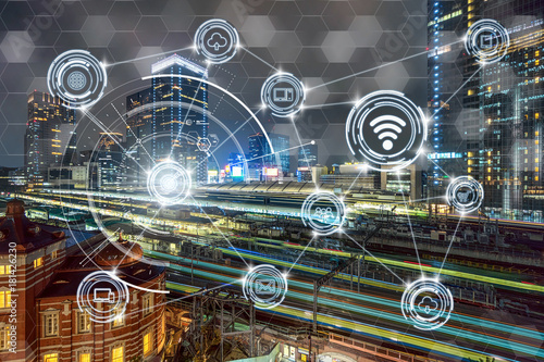 Fotografía  Wireless communication connecting of smart city Internet of Things Technology ov