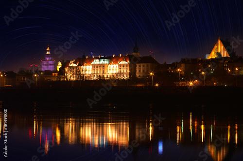 Fototapeta Panorama Warszawy nocą - widok na Wisłę na Zamku Królewskim