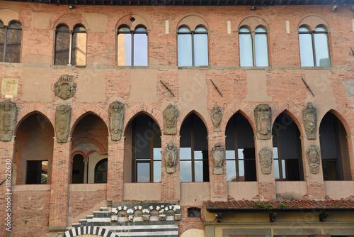 Palais de l'archevêché à Pistoia en Toscane, Italie Canvas Print