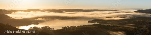Fotografia Sunrise Panorama Windermere from Loughrigg Fell, Lake district