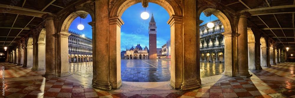 Fototapety, obrazy: Piazza San Marco hallway night panorama view