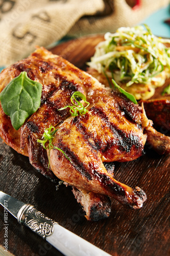 In de dag Grill / Barbecue Whole Grilled Chicken,