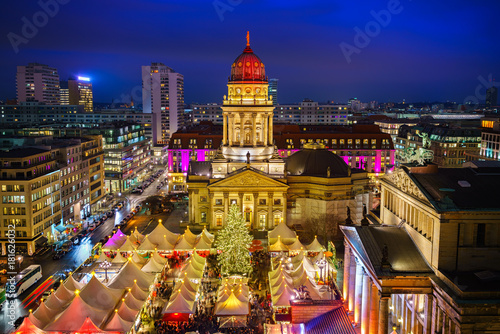 Foto auf AluDibond Berlin Christmas market, Deutscher Dom and konzerthaus in Berlin, Germany