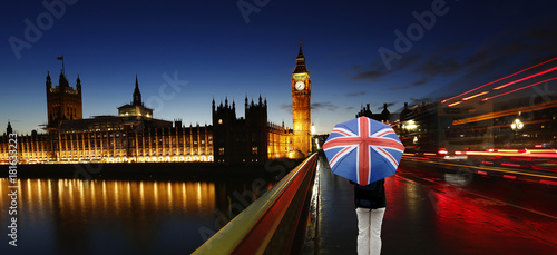 Photo  UK - Cities- Big Ben, Palace of Westminster, Tourist with Union Jack Umbrella at