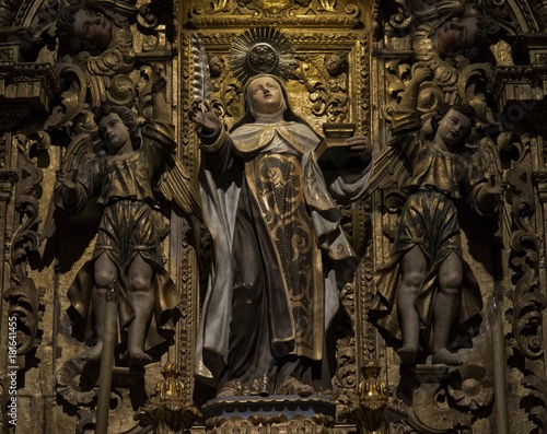 Détail de retable baroque à l'église Nossa Senhora do Carmo, Faro, Algarve, Port Fototapete