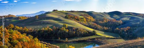 Door stickers Tuscany Idyllic rural landscapes and rolling hills of Tuscany in autumn colors. Italy