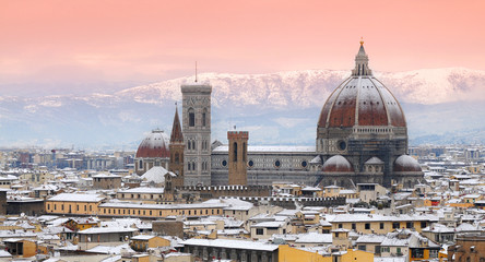 Fototapeta Miasta Beautiful winter cityscape of Florence with Cathedral of Santa Maria del Fiore on the background, as seen from Piazzale Michelangelo. Italy.