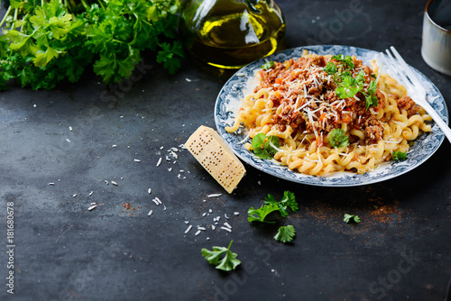 Photo Plate of pasta bolognese