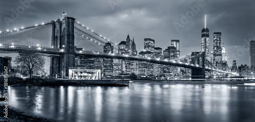 Tuinposter New York City Panorama New York City at night