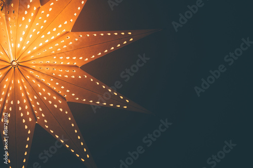 Photo  Lit up glowing christmas star background