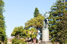In  Austalia  Sydney The  Antique  Statue