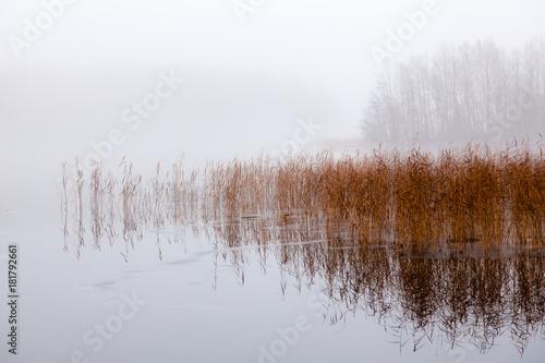 zimowy-krajobraz-jezioro