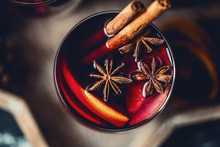Christmas Hot Mulled Wine In A...