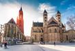canvas print picture - Sint Janskerk und Servatiusbasilika am Vrijthof in Maastricht