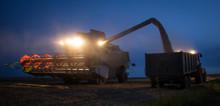 Combine Harvester Unloading Gr...