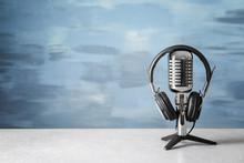 Retro Microphone And Headphone...