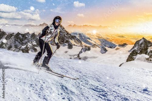 Foto op Aluminium Wintersporten skifahrerin rast über die piste