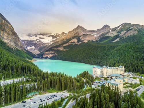 Photographie  Turquoise Louise Lake in Banff National Park, Alberta, Canada
