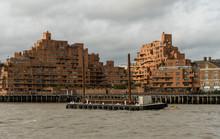 Picturesque East London Buildi...